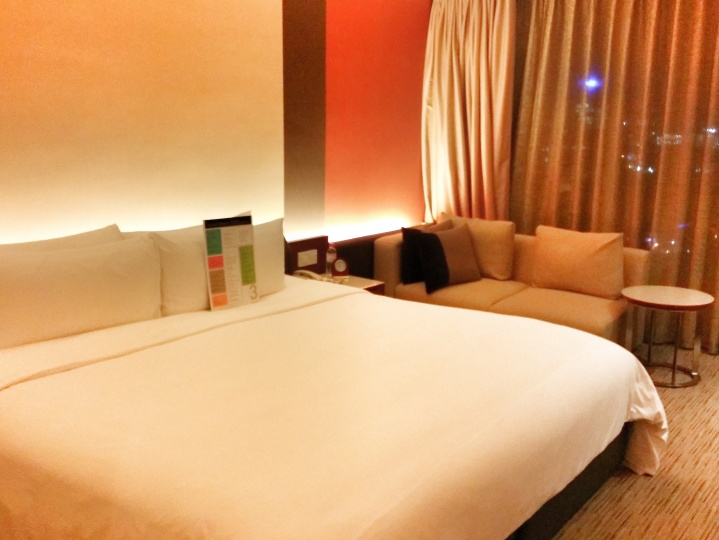 Superb Hideout in KL: Traders Hotel Kuala Lumpur[Review]