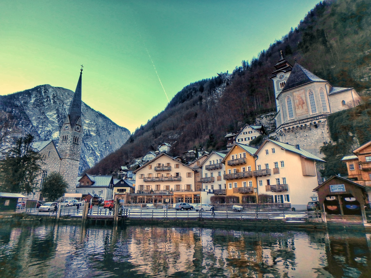 Fairy Tale Land: Hallstatt [Review]